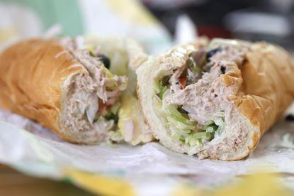 ABD'de Subway markalı ton balıklı sandviçte ton balığı olmadığı iddiası analizlerle desteklendi. - Gıda Dedektifi