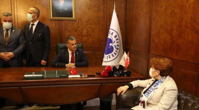 Akşener'den silahlı saldırıya uğrayan başkana ziyaret