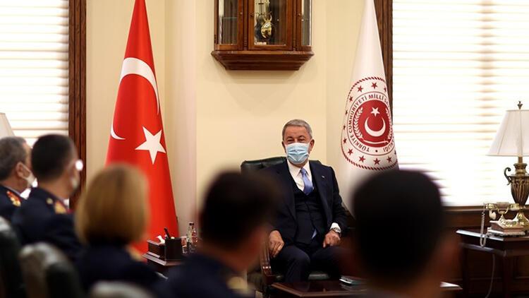Bakan Akar, Hava Kuvvetleri Komutanlığı personelini kabul etti