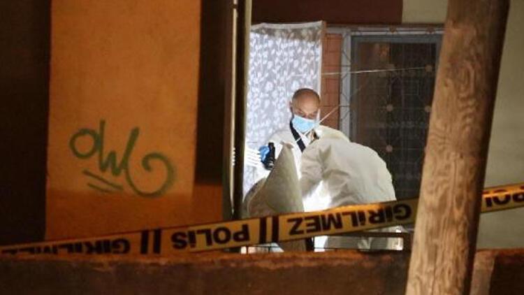 İzmir'de kan donduran olay! Annesini öldürüp çuval içinde balkona koydu