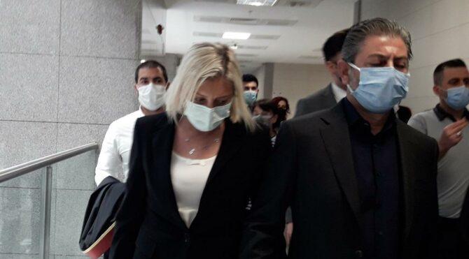 Kuryeyi evinde alıkoymak iddiasıyla yargılanan İpek Hattat: İnsanlık namına üşümesin diye içeri aldım