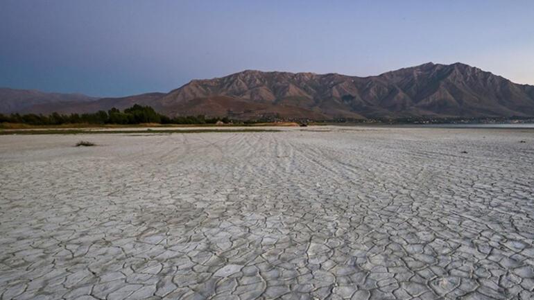 Van Gölü buharlaşıyor... Korkutan görüntü