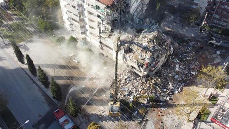 Yılmaz Erbek Apartmanı'nda yıkım 'geliyorum' demiş
