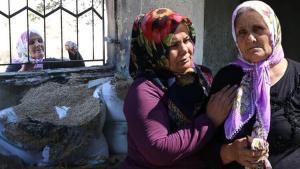 10 yıl önce bakkalı yanmıştı, Adana'da iki gün önce çıkan yangında evi de kül oldu