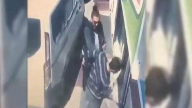 Mardin'de bir polis, vatandaşa tokat attı; boğazını sıktı