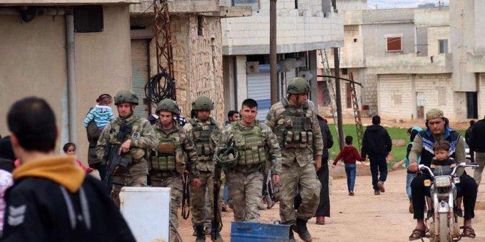 'Türkiye, İdlib'de köktendincilerden bir ordu kurmaya çalışıyor'