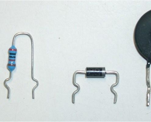 Bauteilvorbereitung Schneiden Biegen Sicken alle Varianten werden nach IPC oder nach Kundenvorgabe gefertig.