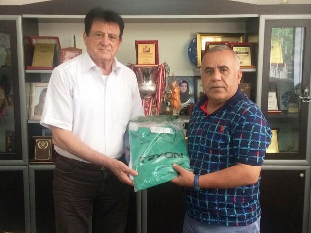 """Sualtı Sporları İhtisas 10 aydır zor günler geçiren spor kulüplerine düzenli olarak destek ziyaretleri gerçekleştirdiklerini belirten Ramazan Çimen, """" www.haberinsonu.com"""