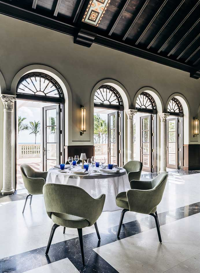 Habitually Chic 174 187 Surfs Up At The Four Seasons Surf Club