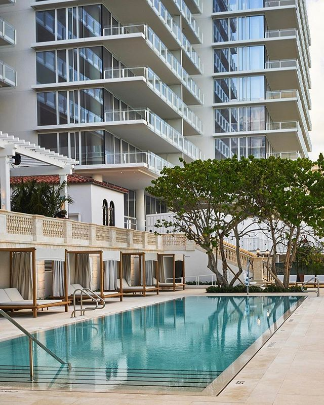 Habitually Chic Surfs Up At The Four Seasons Surf Club