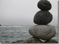Les grosses pierres en premier