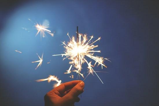 approche consciente de clôturer l'année et commencer la nouvelle année