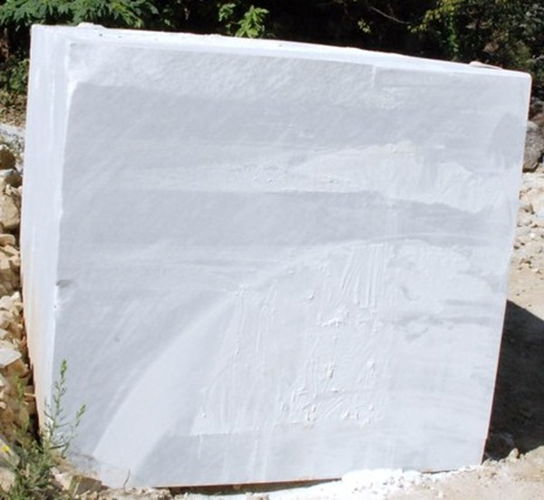 couches superflues de la vie bloc de marbre