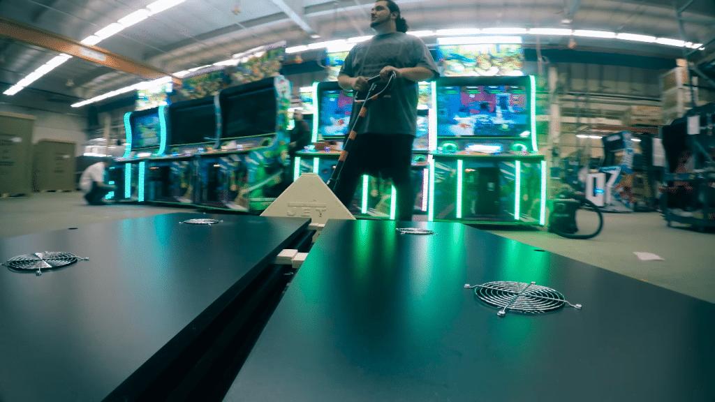 halo videojuego con maquina arcade