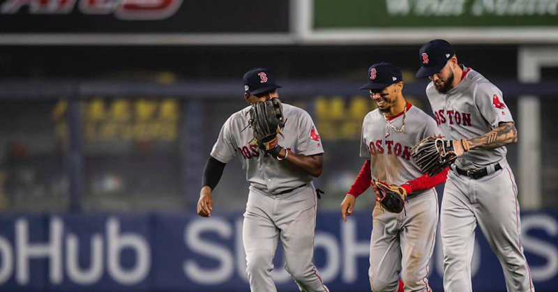 Apalean Boston a Yankees en su casa