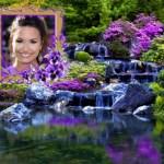 Bello fotomontaje de paisaje con cascada y flores