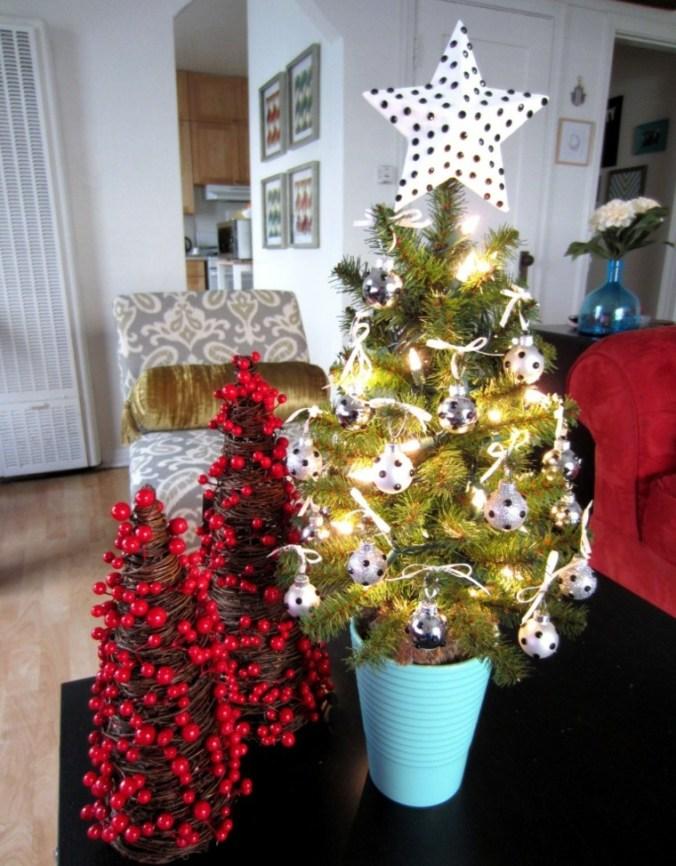 meceta azul con árbol dorado