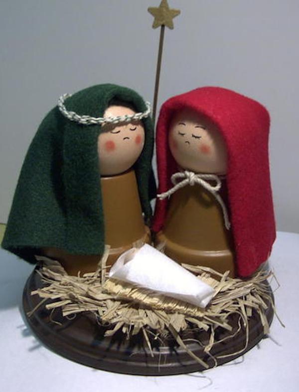 Nacimiento del niño dios con macetas