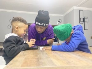 emtee and his children