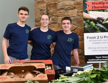 Fresh 2 U: Local Produce Convenient for You