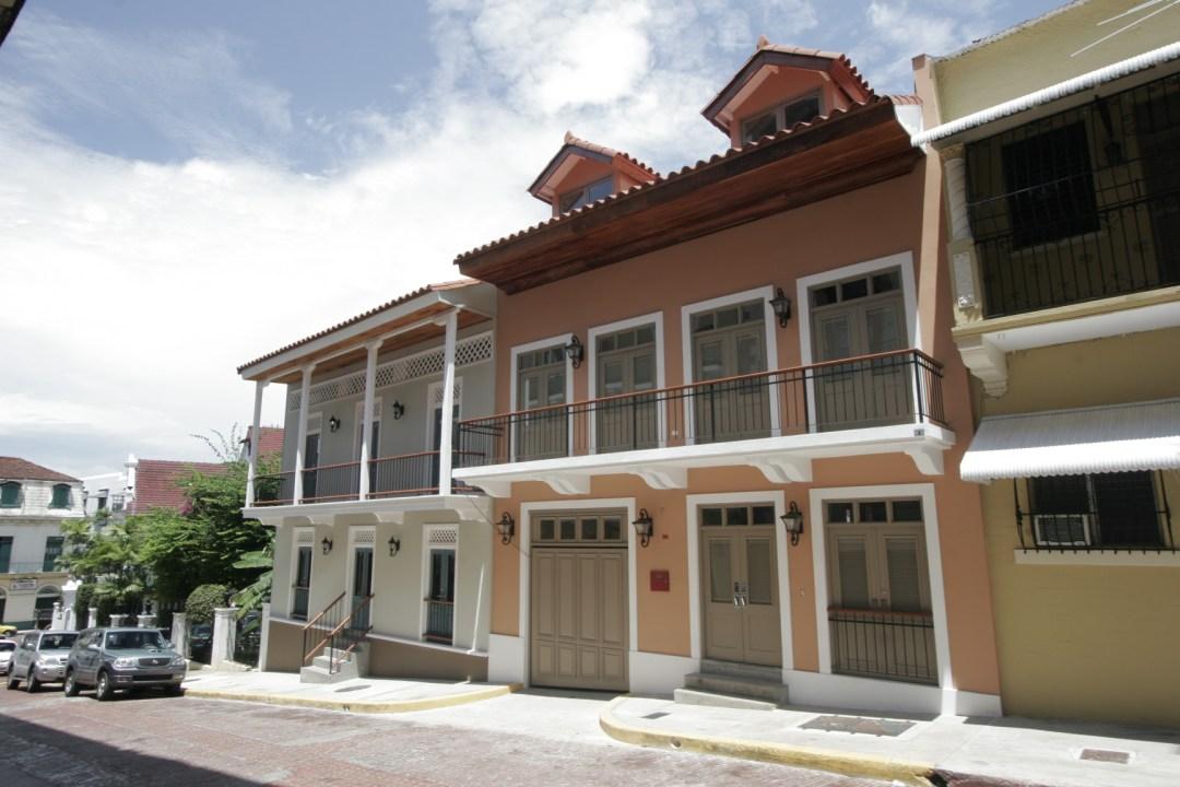 Casa del Obispo y Casa Arango