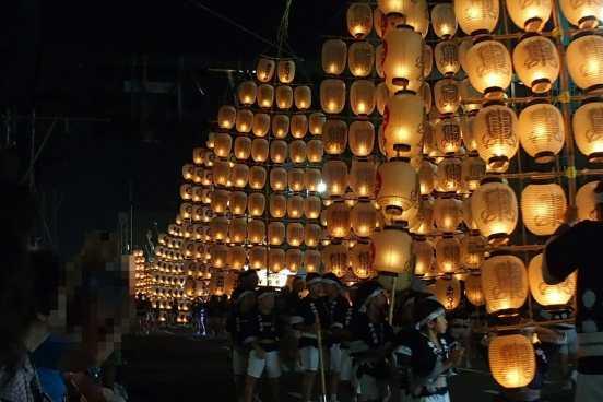 秋田の竿灯祭り