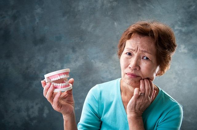 総入れ歯のおばあちゃん