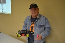 [Joe Carson] and robot