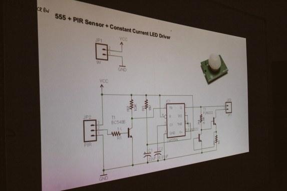 555 based motion sensing night lamp