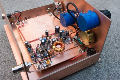 AA7EE's 40-m receiver, built Manhattan-style in an enclosure made from PCB. Source