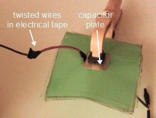 HV capacitor with twisted wire connection