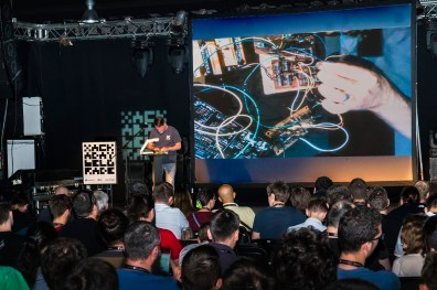 Elliot Williams demos Logic Noise live on stage