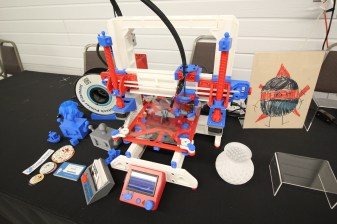 The mostly-3D-pritned 3D printer made a cameo!
