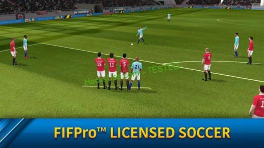 Dream League Soccer screenshot 1