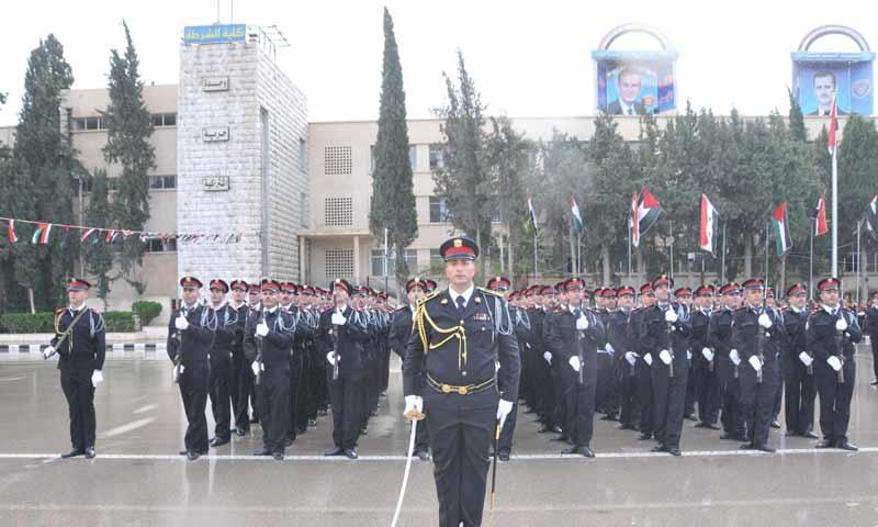 عناصر من الشرطة التابعة لنظام الأسد