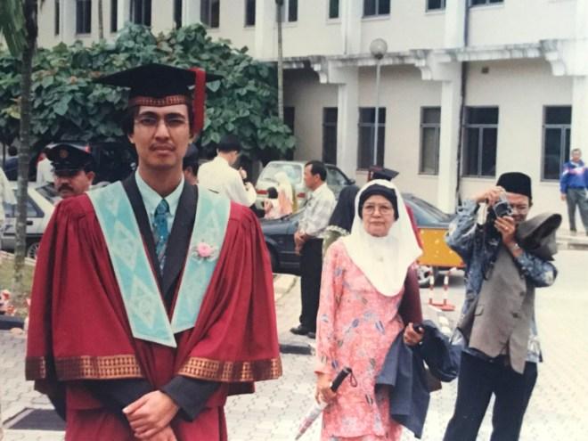 wisuda 1999