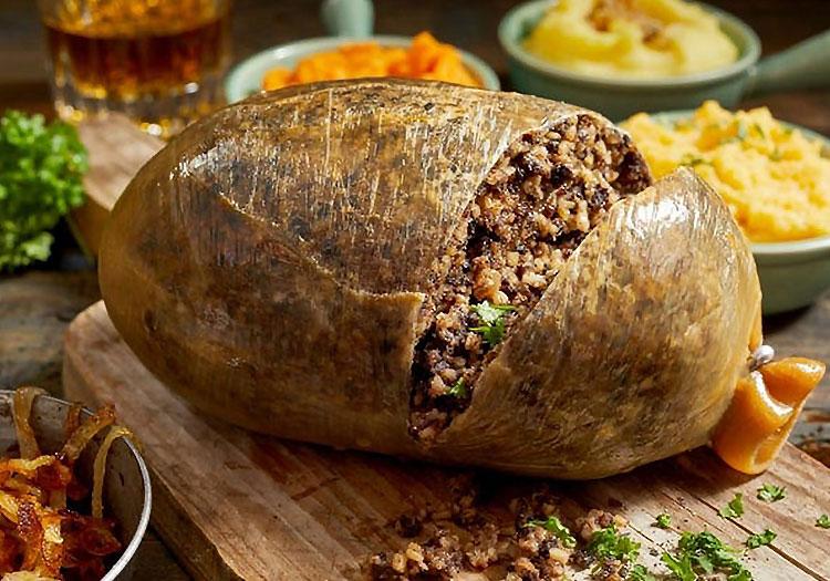 Haggis domuz veya koyun midesine sarılı Iskoç sosis türüdür