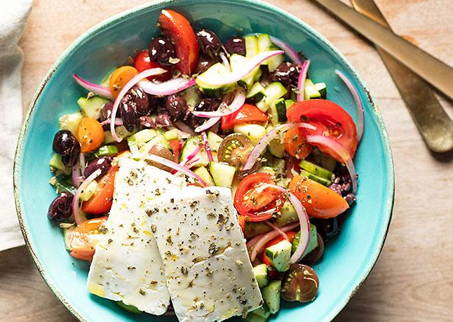 Yunan Feta Salatası Tarifi