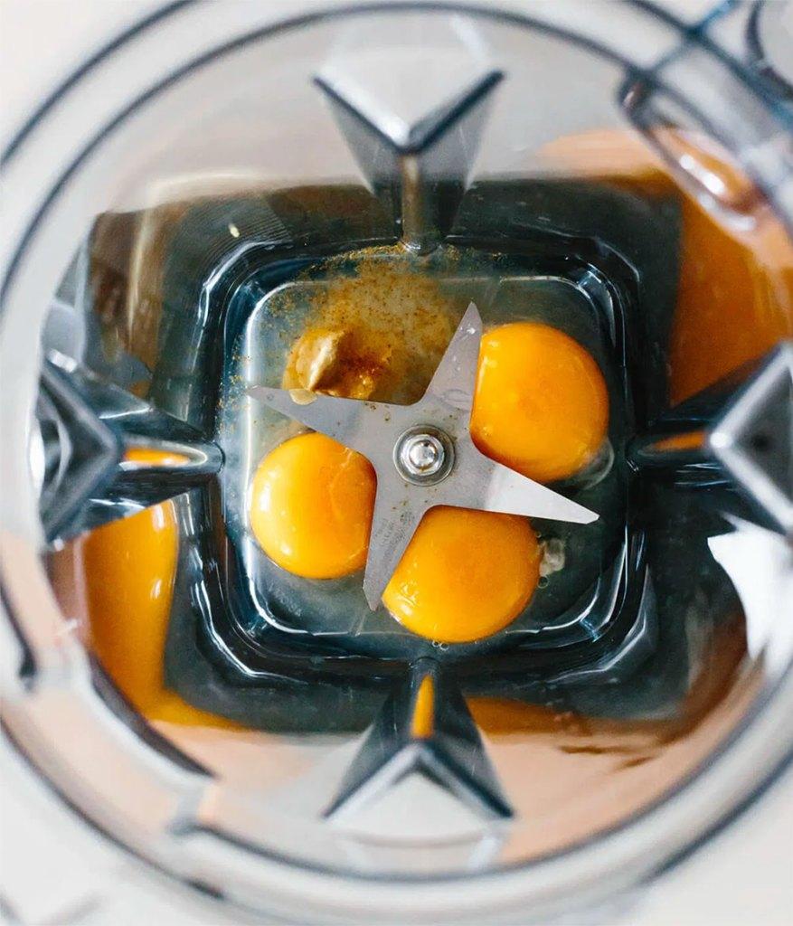 Hollandese Sauce Recipe - Preparation in the Mixer