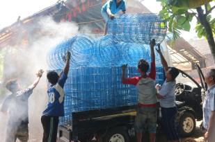 proses pengiriman rangka kolam terpal