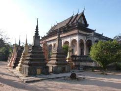 Wat Bo mit Stupas