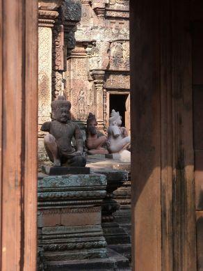 Reizvolle Durchblicke auf die Tempelwächter