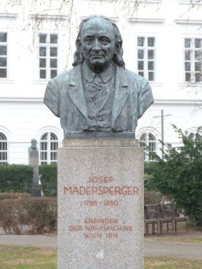 Denkmal für Josef Madersperger, 1933 errichtet