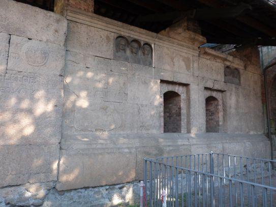 Zu guter Letzt noch die Grabbauten in der Via Statilia