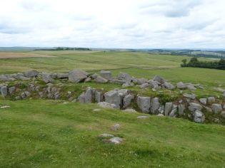 Hier hatten die Römer irgendwann aufgegeben, die Felsen an der Stelle des Vallums wegzusprengen