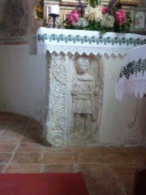 Römerstein in der Kirche auf dem Danielsberg