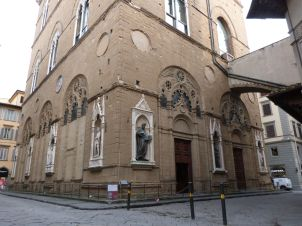 Orsanmichele - einst Getreidespeicher, später Kirche - auch wieder hochkarätig ausstaffiert mit Skulpturen von Donatello, Ghiberti, Giambologna usw.