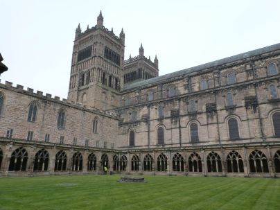 Kathedrale mit Kreuzgang aus dem 14. Jh.