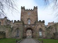 Im Castle neben der Kathedrale hat heute die Universität ihren Sitz