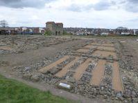 Blick über das Grabungsgelände von Arbeia: lauter Horrea